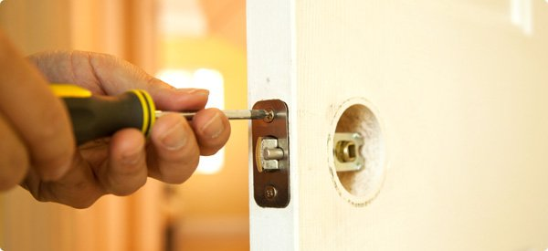 Best Door Repair Services in Sacramento & Best Door Repair Services - Call us at 916-472-0507!